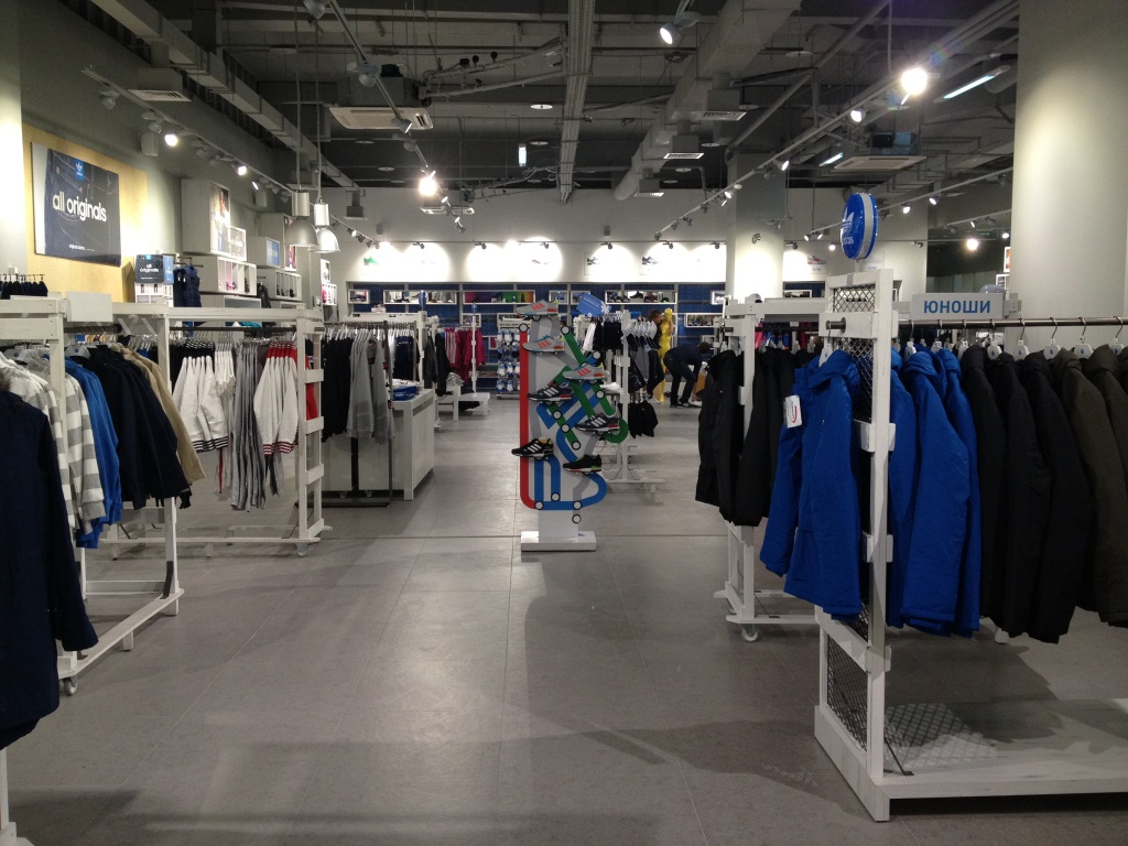 В Москве открыт самый большой магазин adidas в мире   SFMAG.RU 5060d685e13