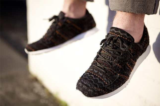 missoni-converse-auckland-racer-leaning-1