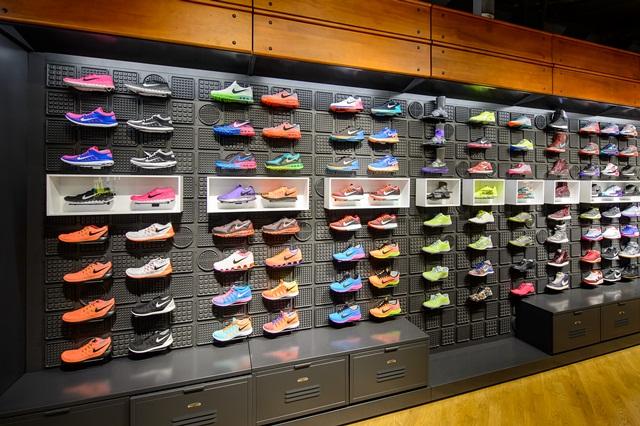 В Москве открылся магазин Nike с уникальными сервисами   SFMAG.RU 5214706d661