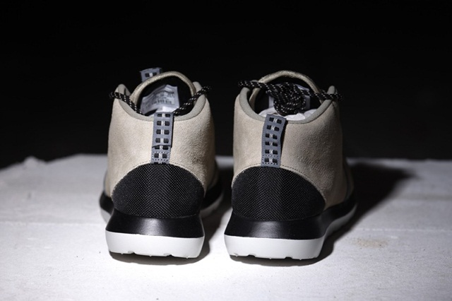 afew-store-sneaker-nike-rosherun-nm-sneakerboot-bamboo-blk-cl-gry-lght-ash-gry-110