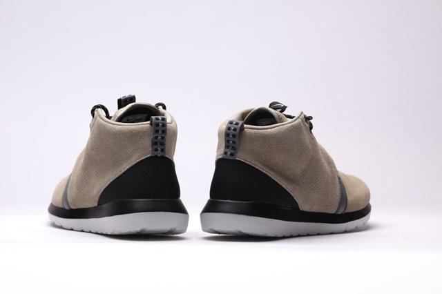 afew-store-sneaker-nike-rosherun-nm-sneakerboot-bamboo-blk-cl-gry-lght-ash-gry-16