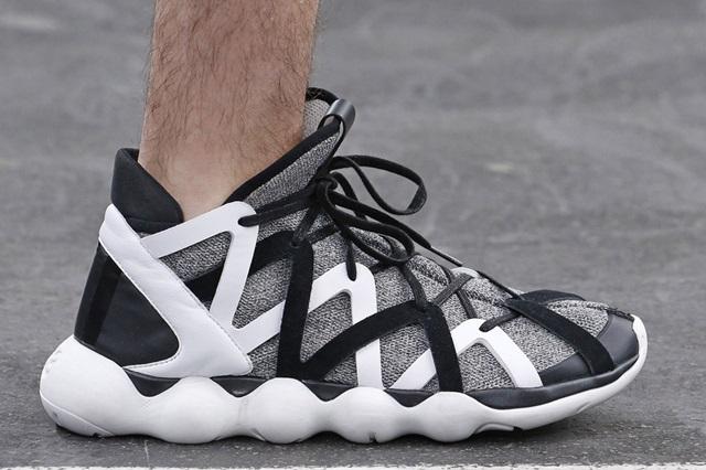 y-3-spring-summer-2016-footwear-collection-00