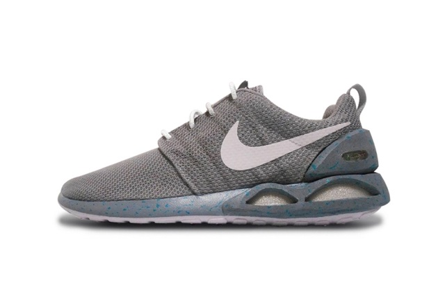 """Nike Roshe One """"Air MAG</p>                     </div>   <!--bof Product URL --> <!--eof Product URL --> <!--bof Quantity Discounts table --> <!--eof Quantity Discounts table --> </div>                        </dd> <dt class="""