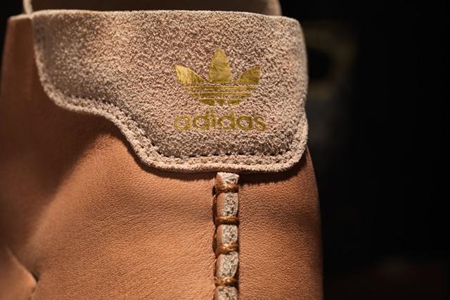 adidas_Horween_StanSmithMid_Detail_Heel