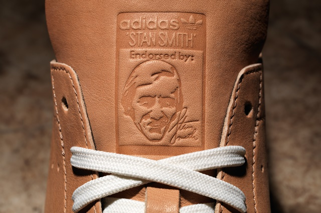 adidas_Horween_StanSmith_Detail_Tongue