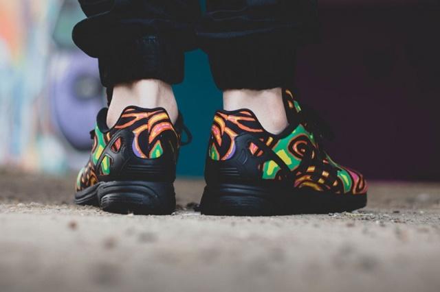 adidas-x-jeremy-scott-zx-flux-psychedelic-black-3-1024x563