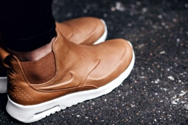 reputable site c554b 88aa0 Full size is 640 × 426 pixels. « nike-wmns-air-max-thea-mid-top-brown-859550 -200-sneaker-search-2-400x400