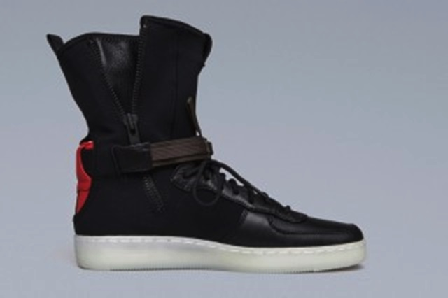 acronym-nike-downtown-air-force-1-first-look-2-320x213