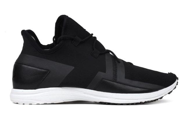 adidas-Y-3-Arc-RC-Core-Black-White-681x434