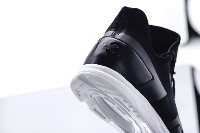 y-3-arc-rc-black-white-3