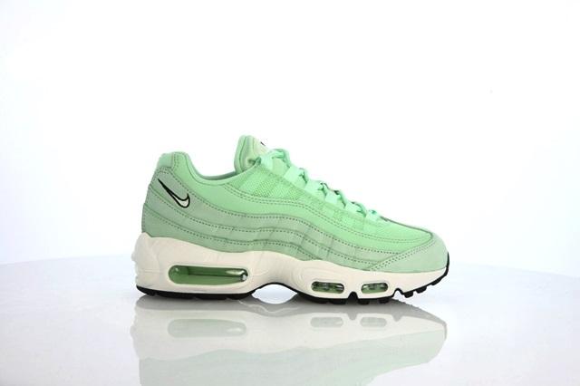 afew-store-sneaker-nike-wmns-air-max-95-fresh-mint-freshmint-black-32