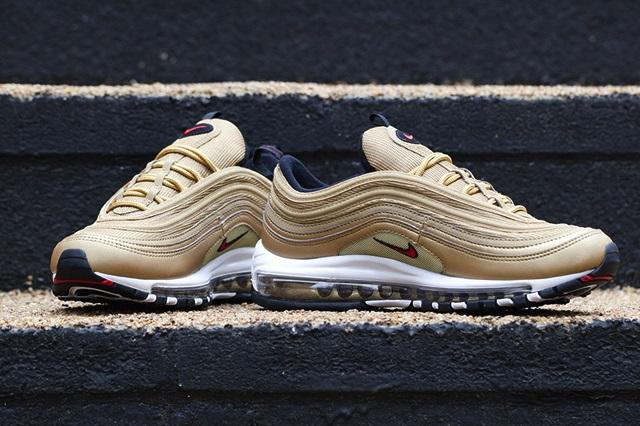 Nike-Air-Max-97-Gold-3