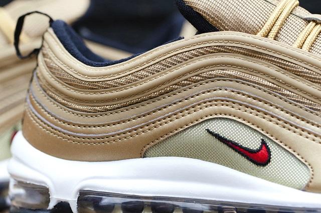 Nike-Air-Max-97-Gold-4