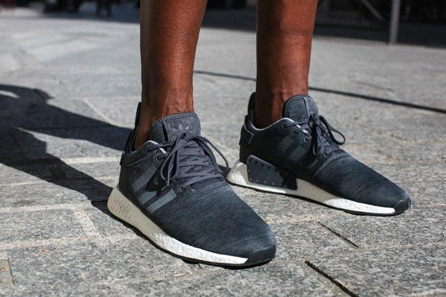adidas-originals-sneakersnstuff-exclusive-nmd-r2-grey-melange-02