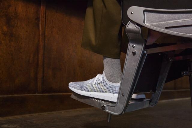 adidas-swift-sneaker-05
