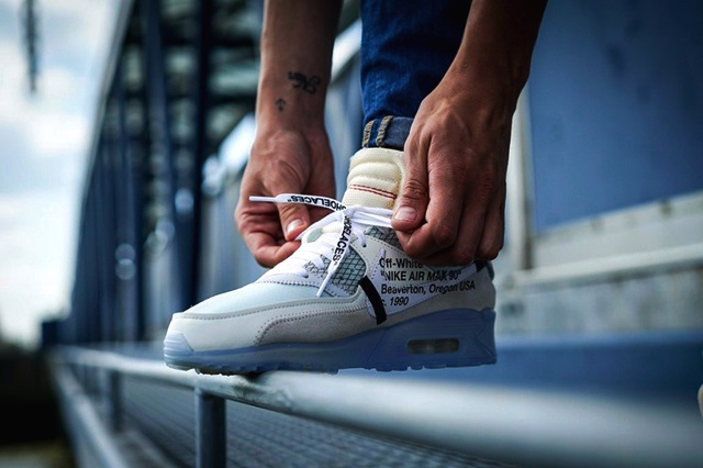 meet 6d80c 31ad1 ... x Air Max 90 «Ice». best-on-feet-look-at-the-off-white-