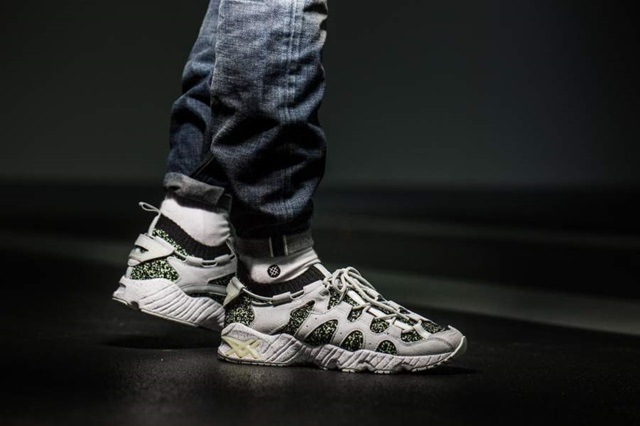 http://sfmag.ru/rus/wp-content/uploads/2017/11/asics-gel-mai-knit-glow-in-the-dark-hn708-8996-mood-1-%D0%BA%D0%BE%D0%BF%D0%B8%D1%8F.jpg