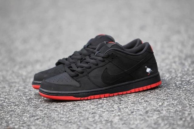 Nike SB Dunk Low 'Black Pigeon'   SFMAG.RU