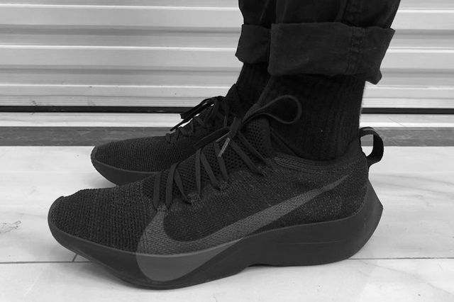 nike-vapor-street-flyknit-on-foot