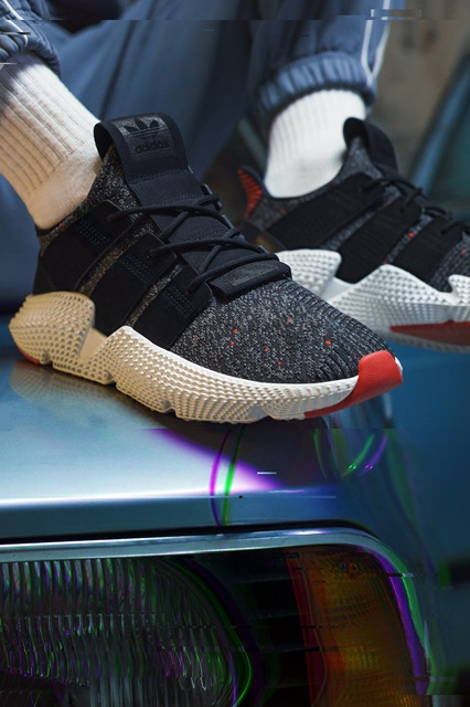 +H21020_Originals_Prophere_SS18_KEY_December-Look01_CQ3022_Foundation_on_Foot
