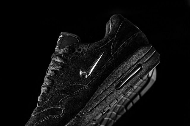 Nike_Air_max_1_Premium_SC_918354_005_sneaker_politics_2