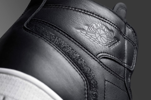 air-jordan-1-retro-high-zip-black-white-release-date-4