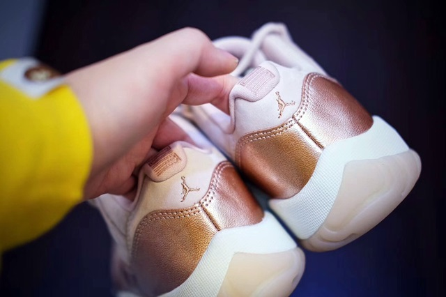 jordan-11-low-rose-gold-8