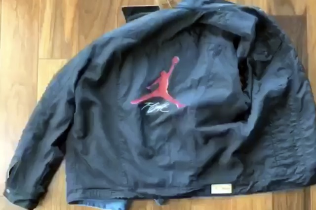 levis-jordan-4-denim-jacket-2