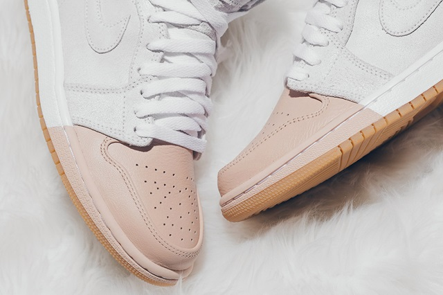 air-jordan-1-dipped-toe-pack-wmns-available-now-13