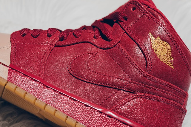 air-jordan-1-dipped-toe-pack-wmns-available-now-3