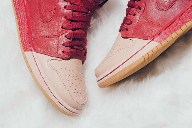 air-jordan-1-dipped-toe-pack-wmns-available-now-4