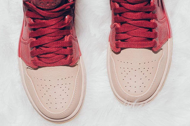 air-jordan-1-dipped-toe-pack-wmns-available-now-5