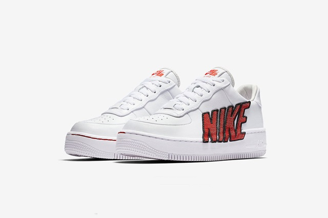 nike-air-force-1-force-is-female-061
