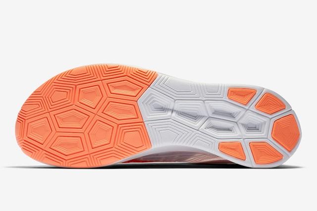 Nike-Zoom-Fly-Neon-Orange-AJ8229-108-Outsole