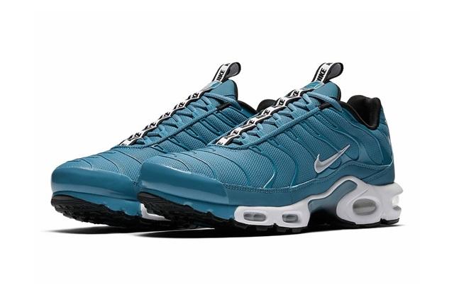 nike-air-max-plus-pull-tab-turquoise-blue-04