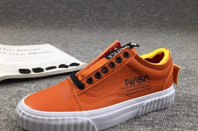 rg-nasa-x-vans-space-voyager-old-skool-firecracker
