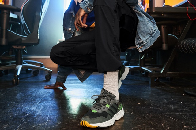 adidasOriginals_SS19_YungSeries_F35018_OnFoot_Retail_02