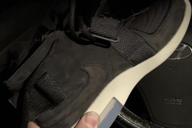 Nike-Air-Fear-of-God-Moccasin-Black-First-look