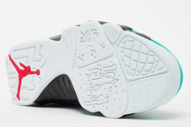 Air-Jordan-9-Dream-It-Do-It-6-565x372