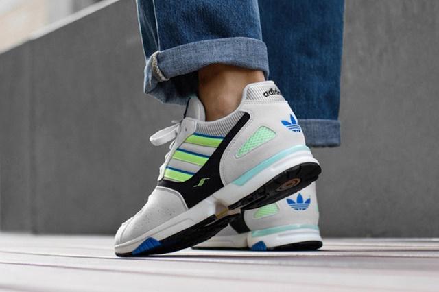 adidas-zx-4000-og-white-blue-volt-g27899-release-date-1