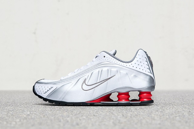 nike-shox-r4-release-date-price-gallery-03