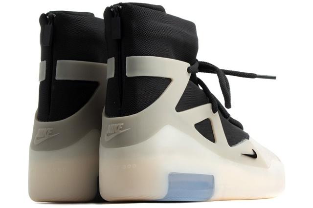 Nike-Air-Fear-Of-God-1-String-AR4237-902-3